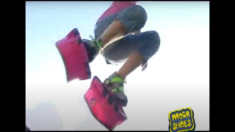 Moon shoes toy